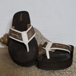 Coach Judy White & Brown Flip Flop Size 6